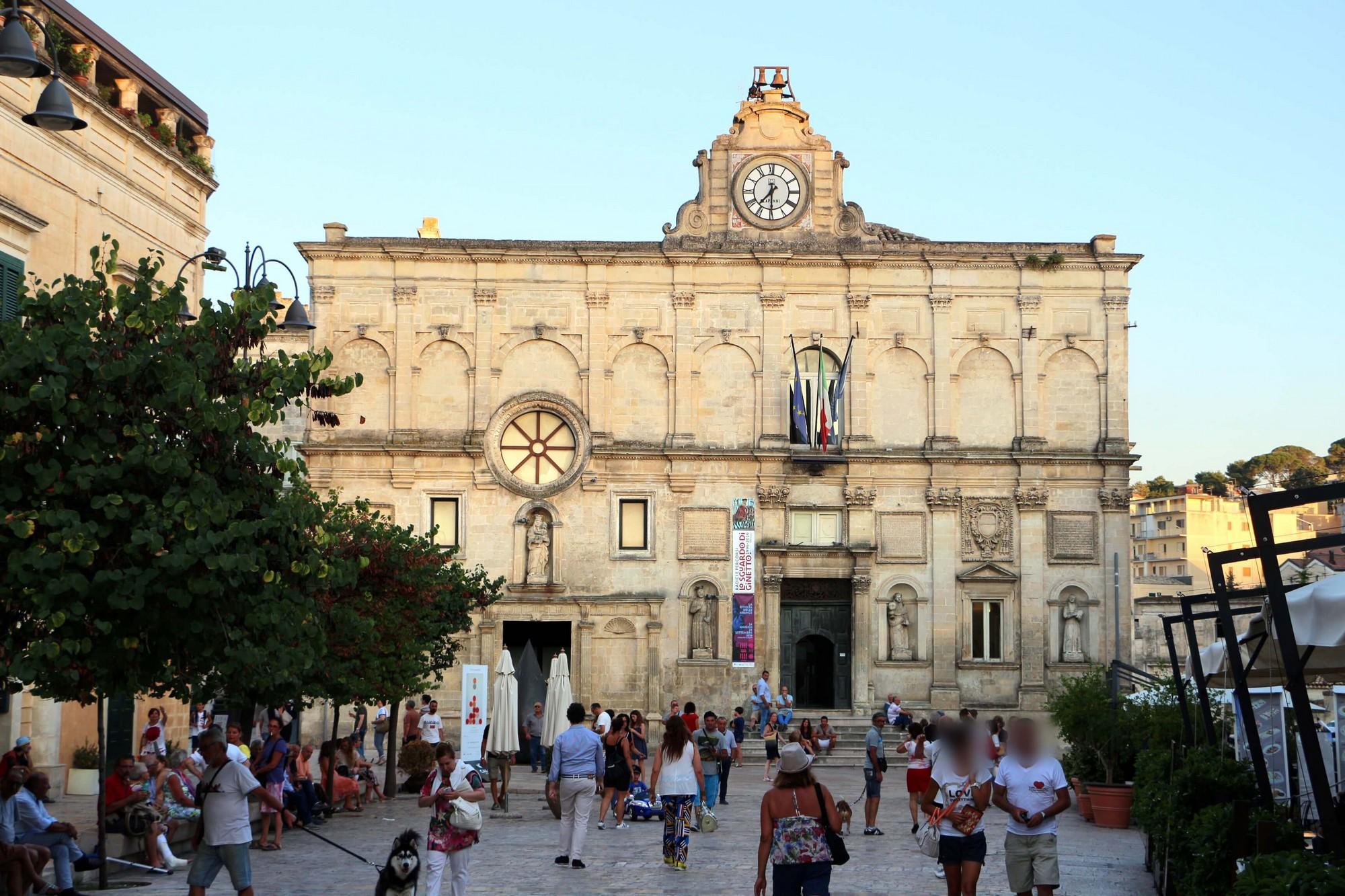 Turisti a Matera