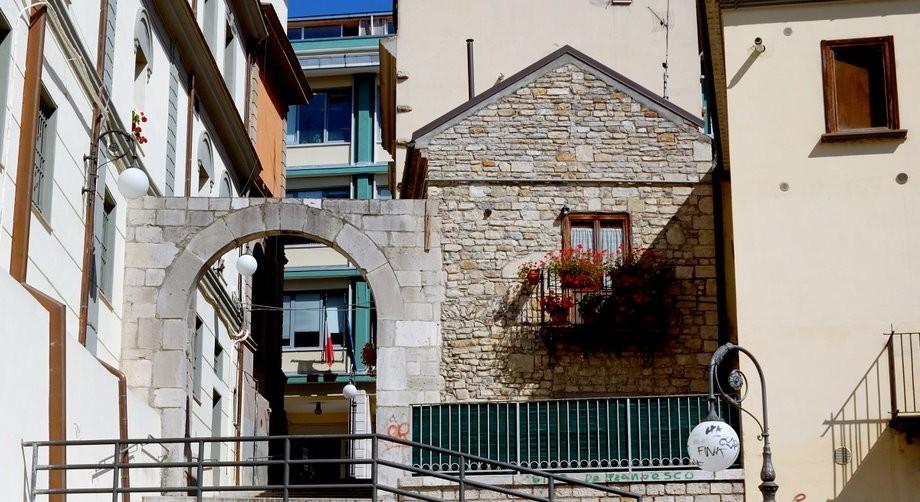 Porta San Luca, Potenza